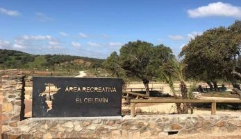 "ÁREA RECREATIVA ""EL CELEMÍN"""